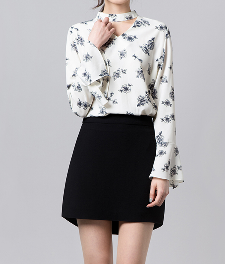 Flower choker blouse
